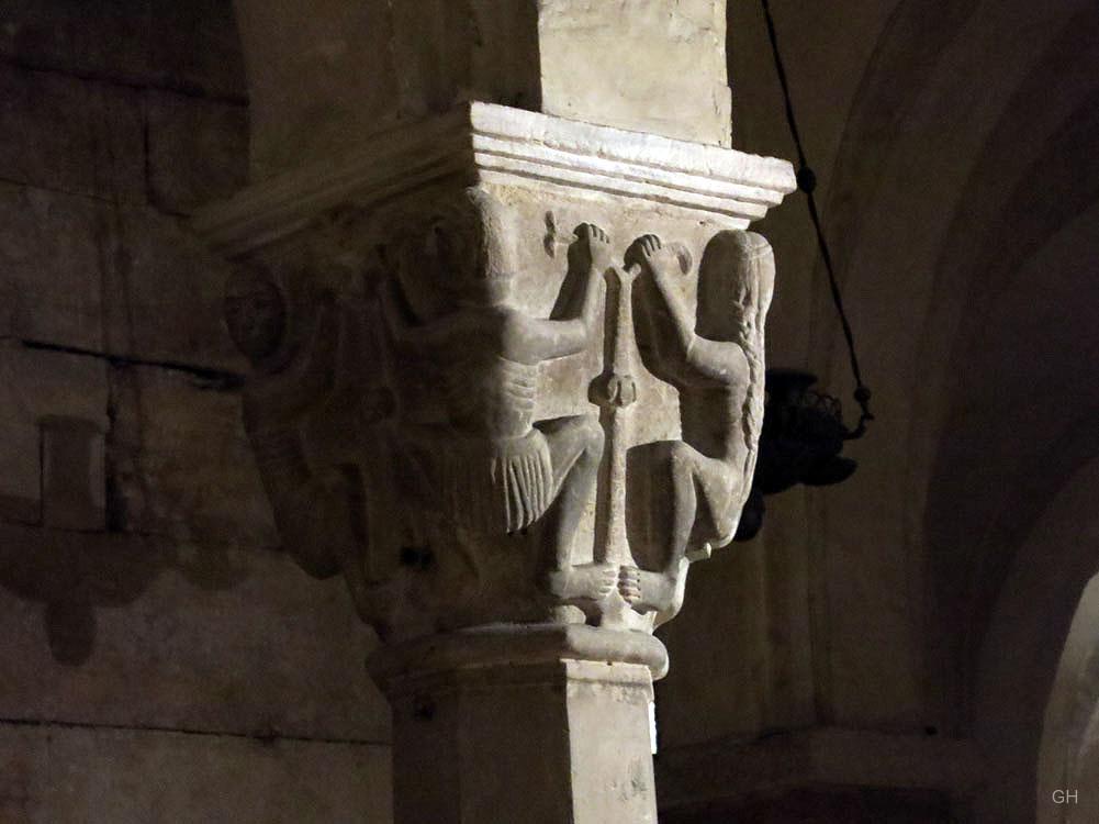 San Zeno - romanisches Kapitell (Krypta)