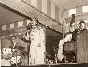 Billie at the Club Bali, von Ralph F. Seghers