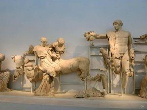 Apollon, Peirithoos, Eurytion und Hippodameia